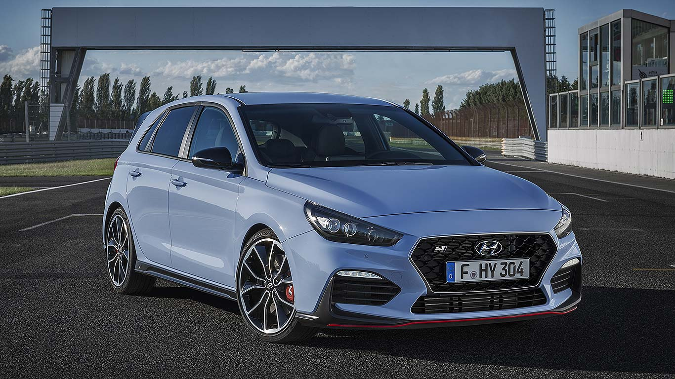 hyundai i30 n prices from 24 995 on sale january 2018. Black Bedroom Furniture Sets. Home Design Ideas