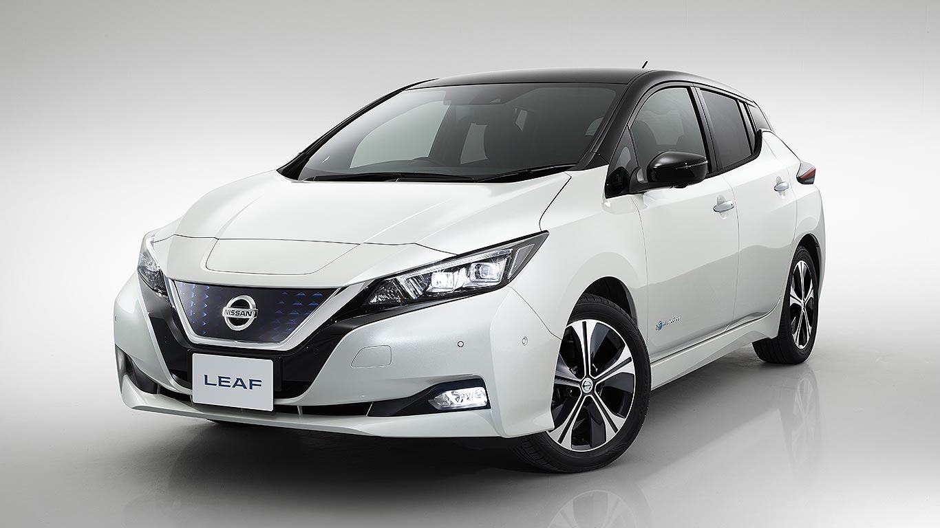 new 2018 nissan leaf revealed the people 39 s electric car. Black Bedroom Furniture Sets. Home Design Ideas