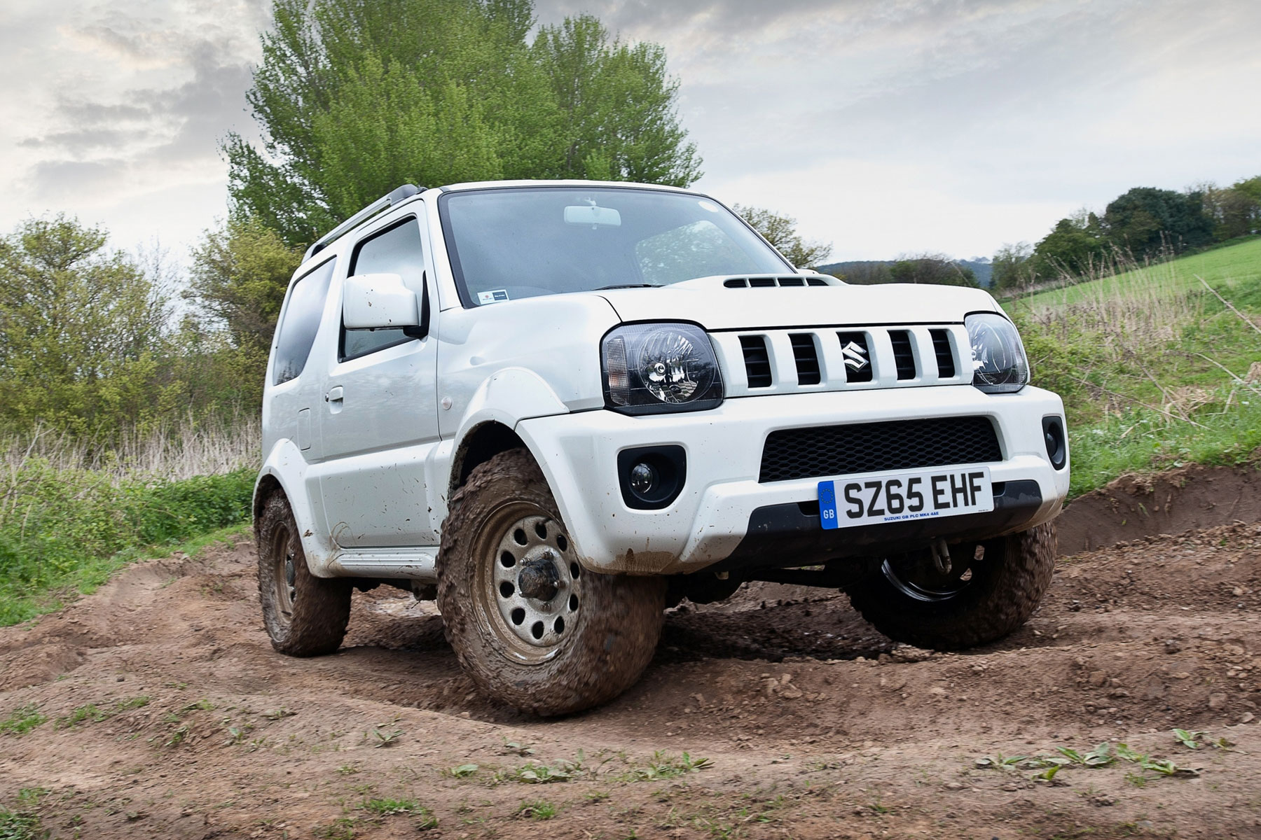 opinion the suzuki jimny needs a proper send off motoring research. Black Bedroom Furniture Sets. Home Design Ideas