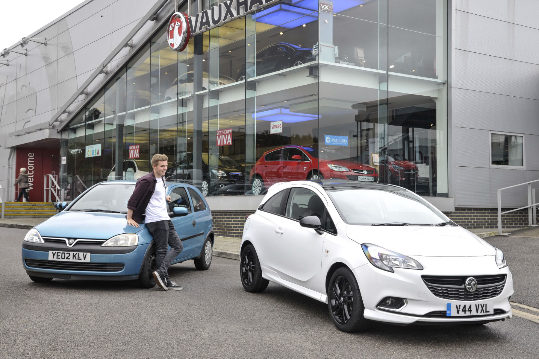 Vauxhall will give you £1,000 more than WeBuyAnyCar for your part-exchange
