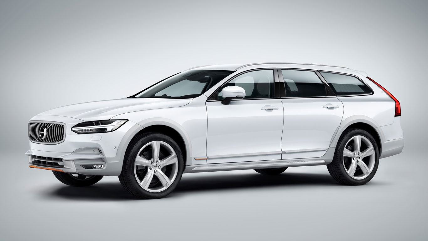 Buy this ultra-cool Volvo V90 Cross Country and do your ...