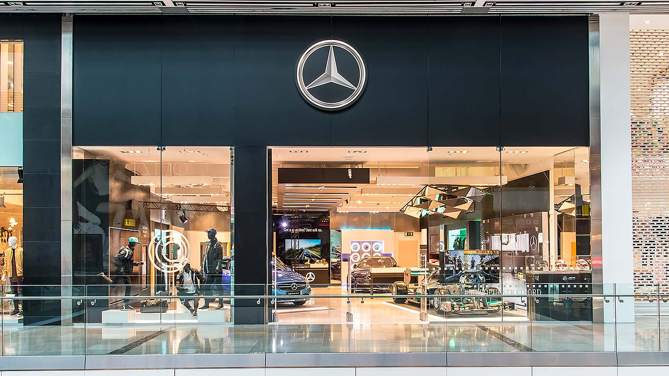 a million brits have visited a mercedes benz pop up shop. Black Bedroom Furniture Sets. Home Design Ideas