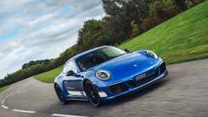 Porsche 911 Le Mans Legends Derek Bell