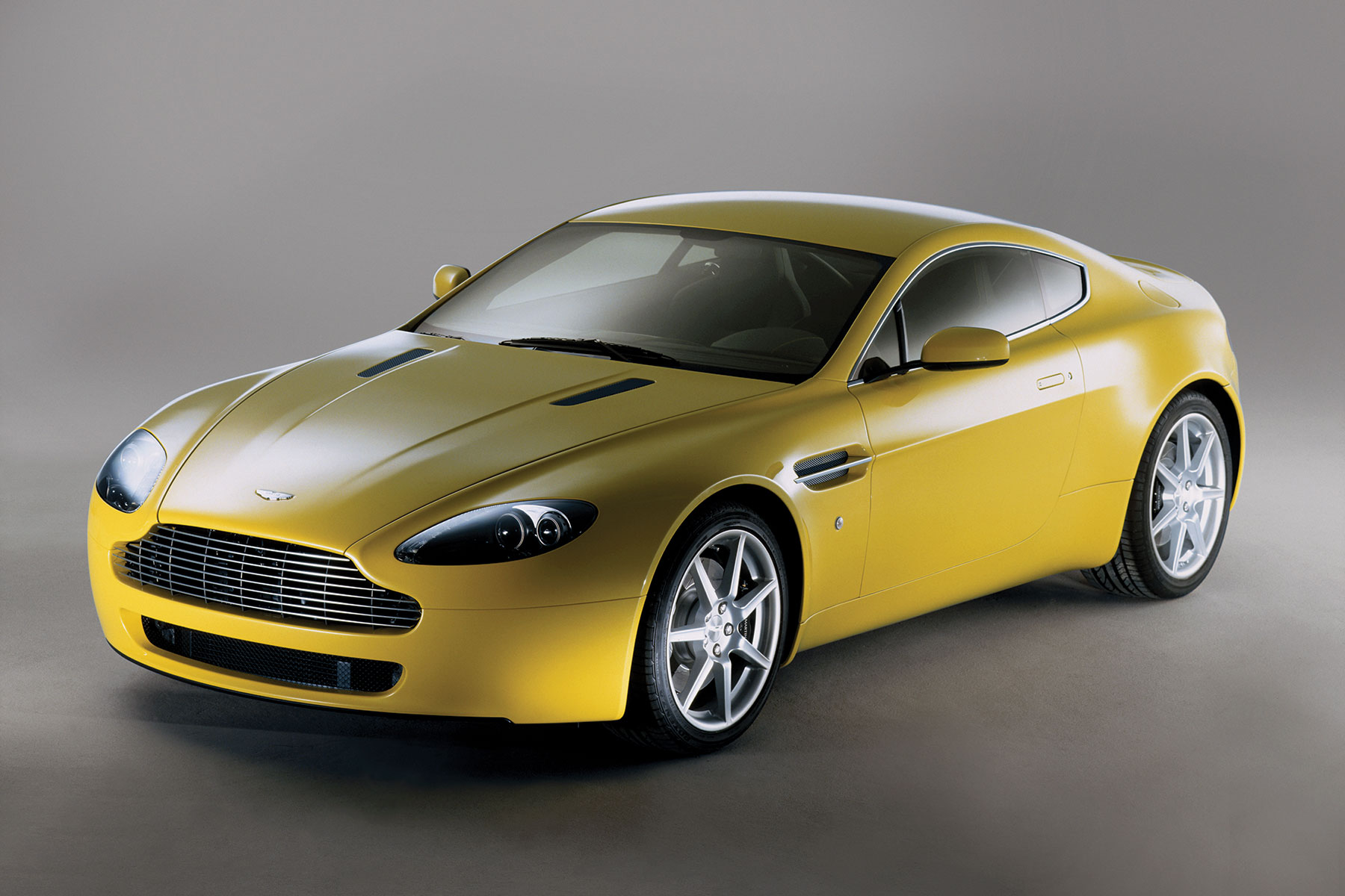 MR archive: Aston Martin V8 Vantage review