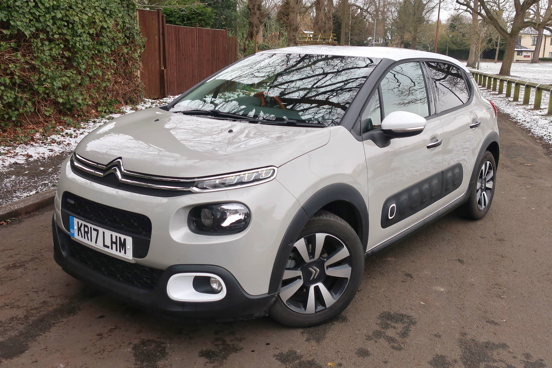 citroen c3 goodbye to the beige beauty motoring research. Black Bedroom Furniture Sets. Home Design Ideas