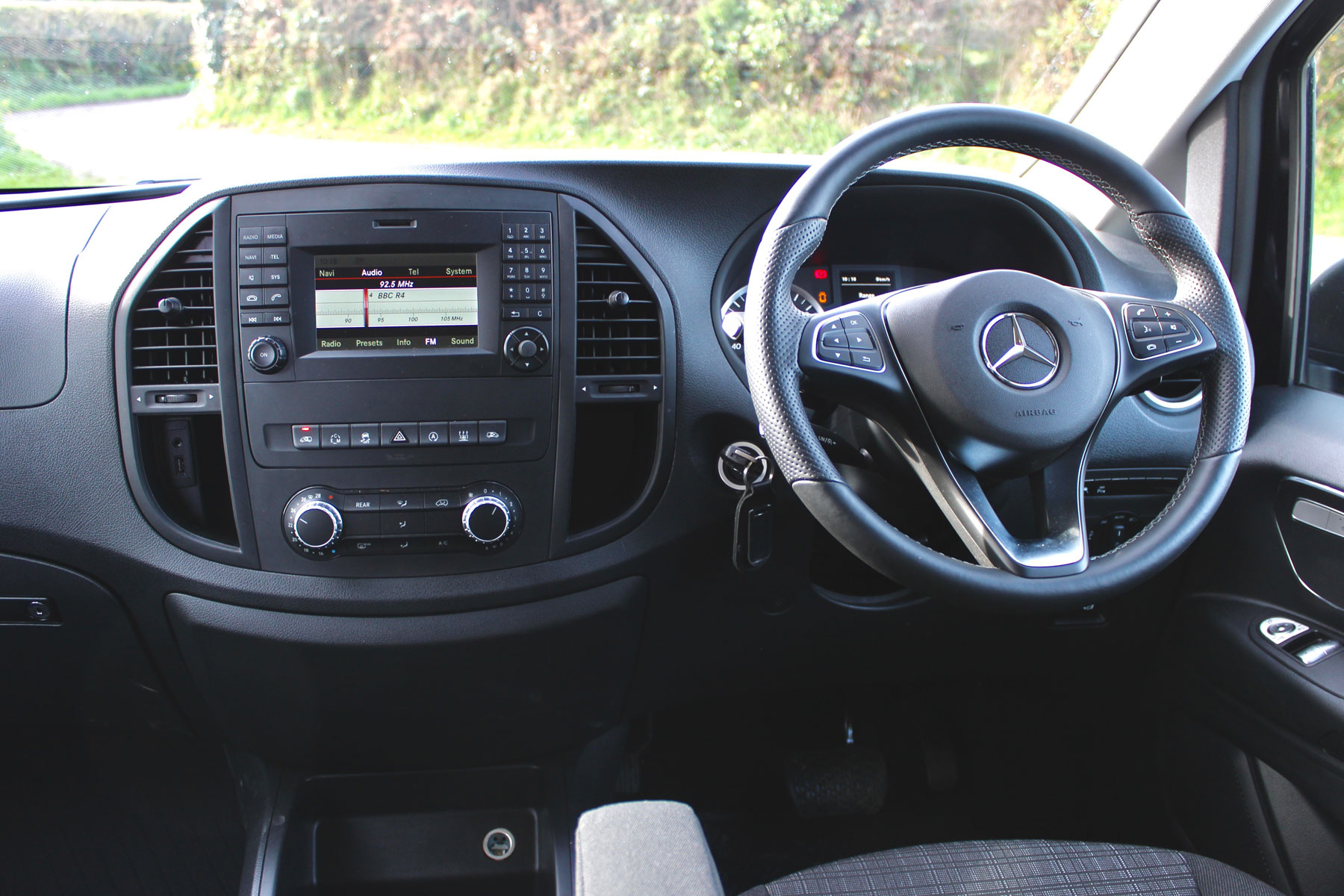 Mercedes Vito Tourer dashboard