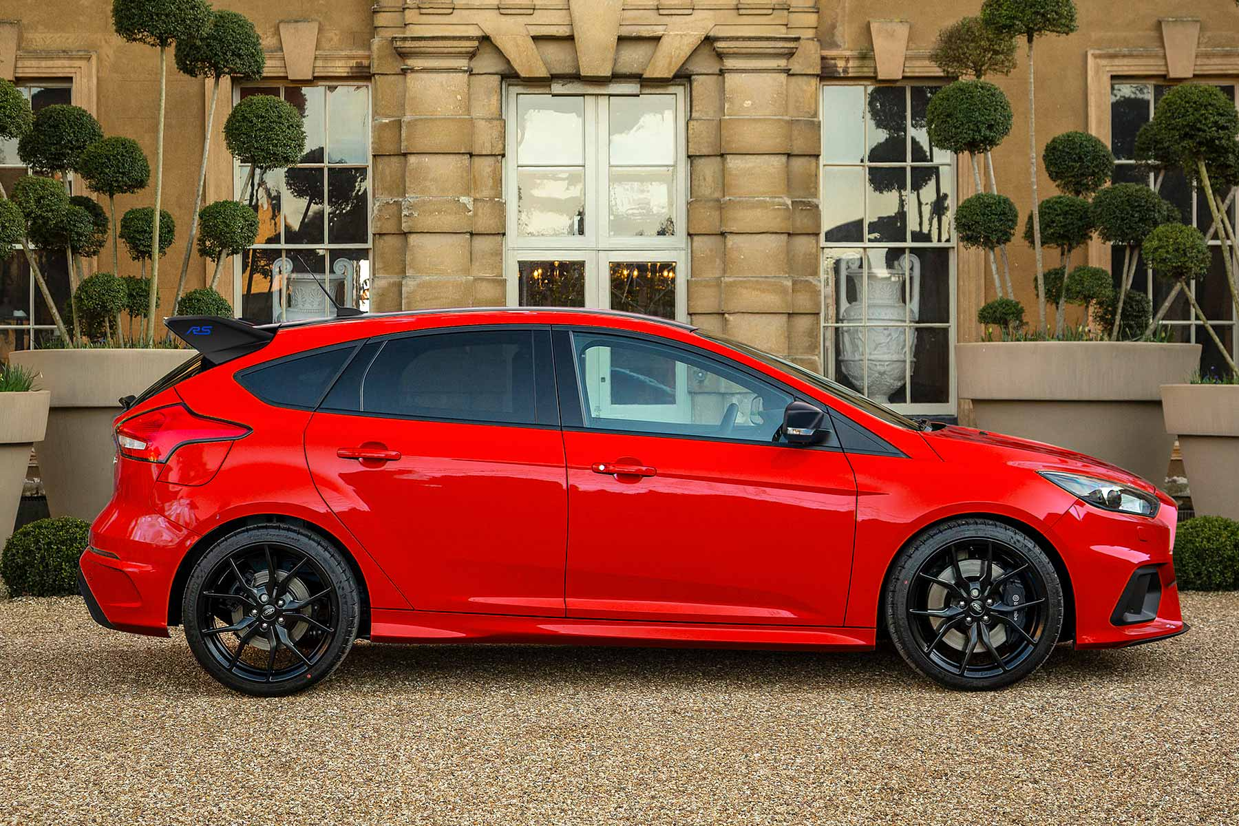 ford focus rs red edition limited run special revealed motoring research. Black Bedroom Furniture Sets. Home Design Ideas