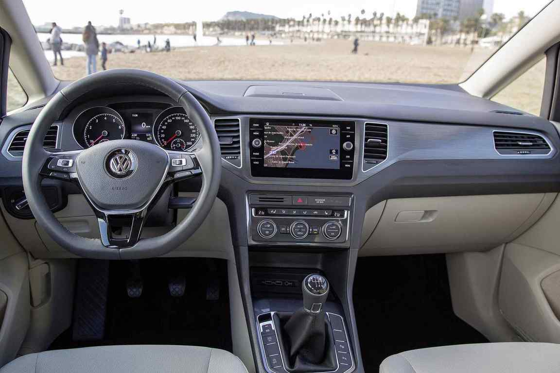 2018 Volkswagen Golf SV