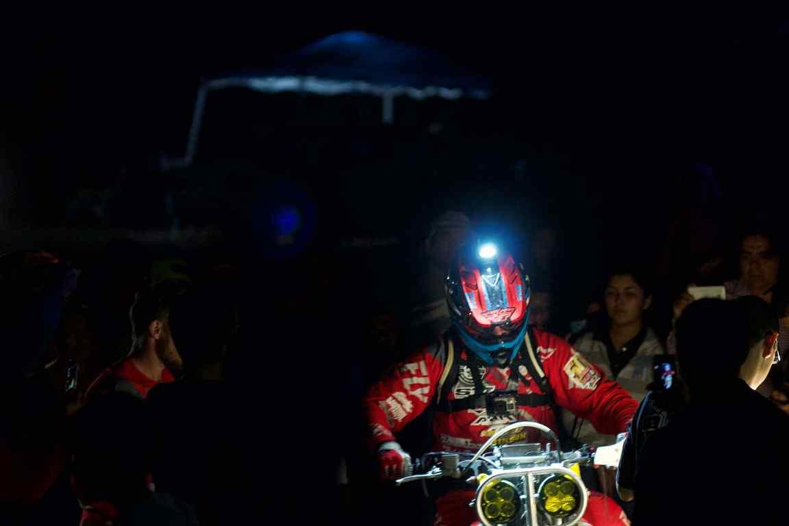 Unknown motorcycle in pit near Puerto San Carlos