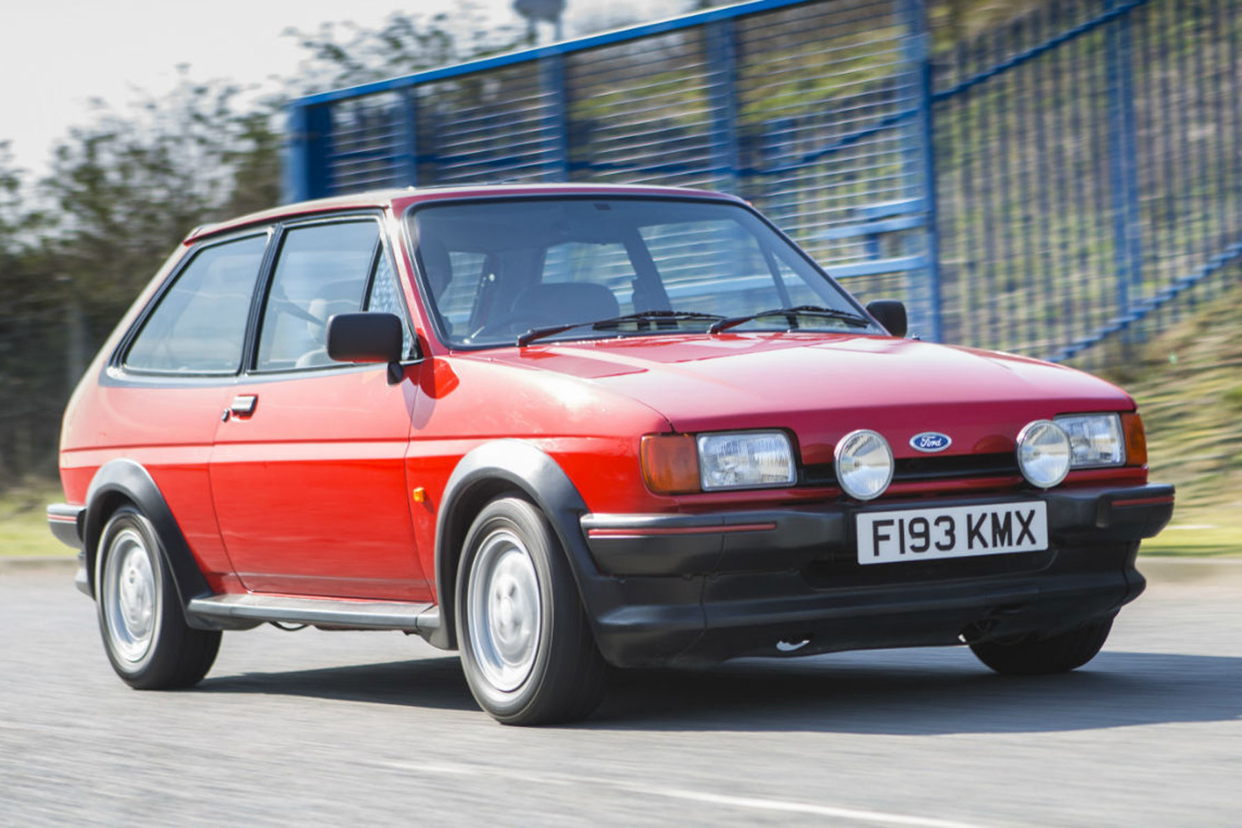 ford fiesta xr2 review the hot hatch we d choose over a 205 gti motoring research. Black Bedroom Furniture Sets. Home Design Ideas