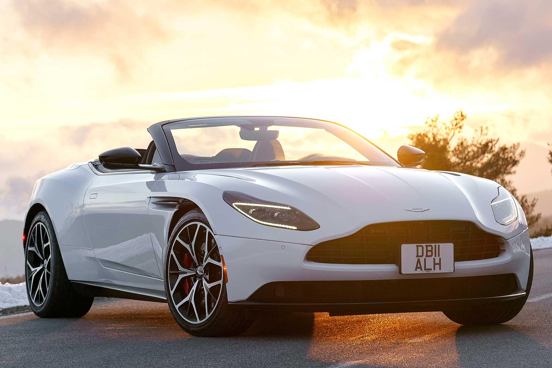 2018 Aston Martin Db11 Volante First Drive Review Its No Soft