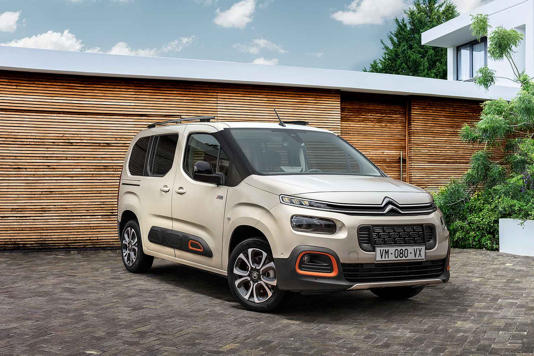 the new citroen berlingo multispace is unashamedly unfashionable motoring research. Black Bedroom Furniture Sets. Home Design Ideas