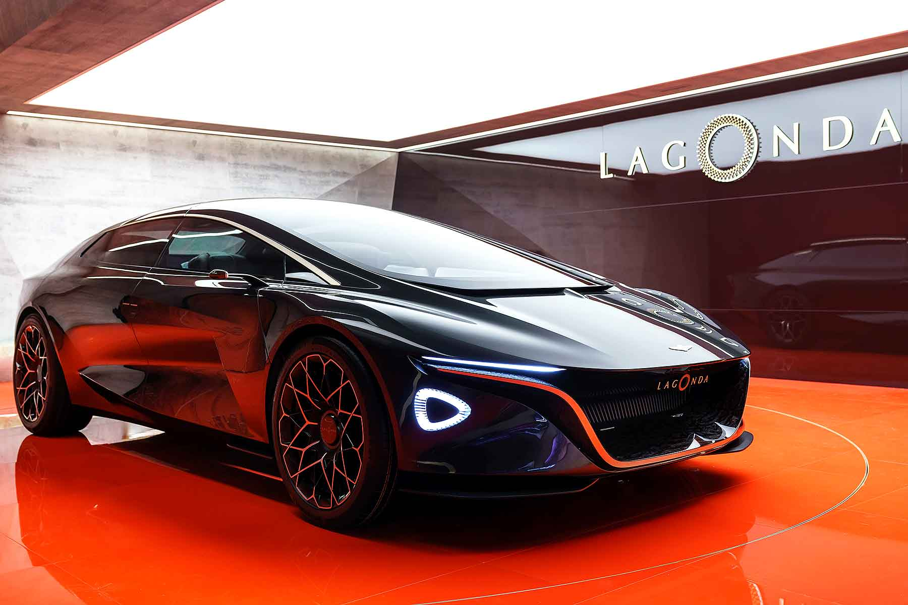 Aston Martin Lagonda Vision Concept Rips Up The Luxury Car Rulebook