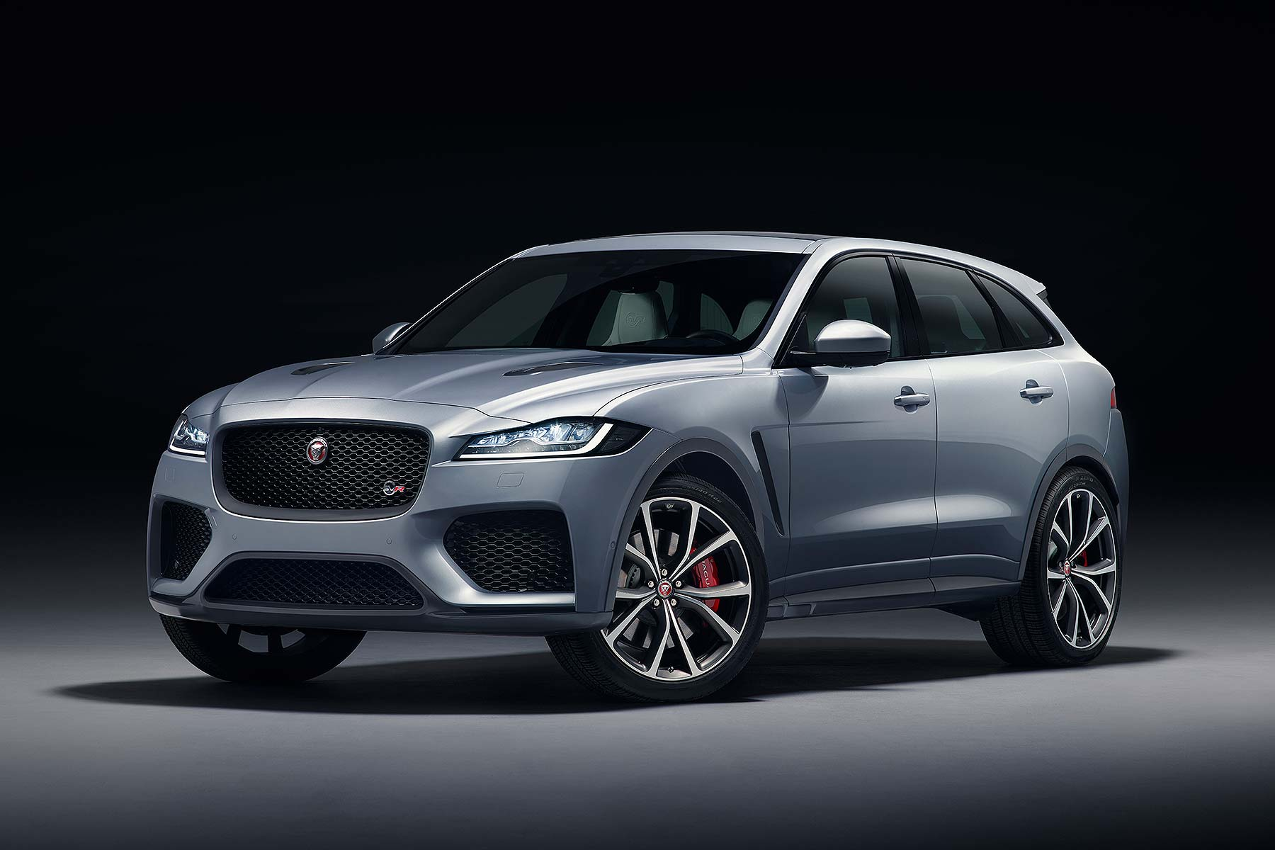 jaguar f pace svr super suv revealed in new york motoring research. Black Bedroom Furniture Sets. Home Design Ideas