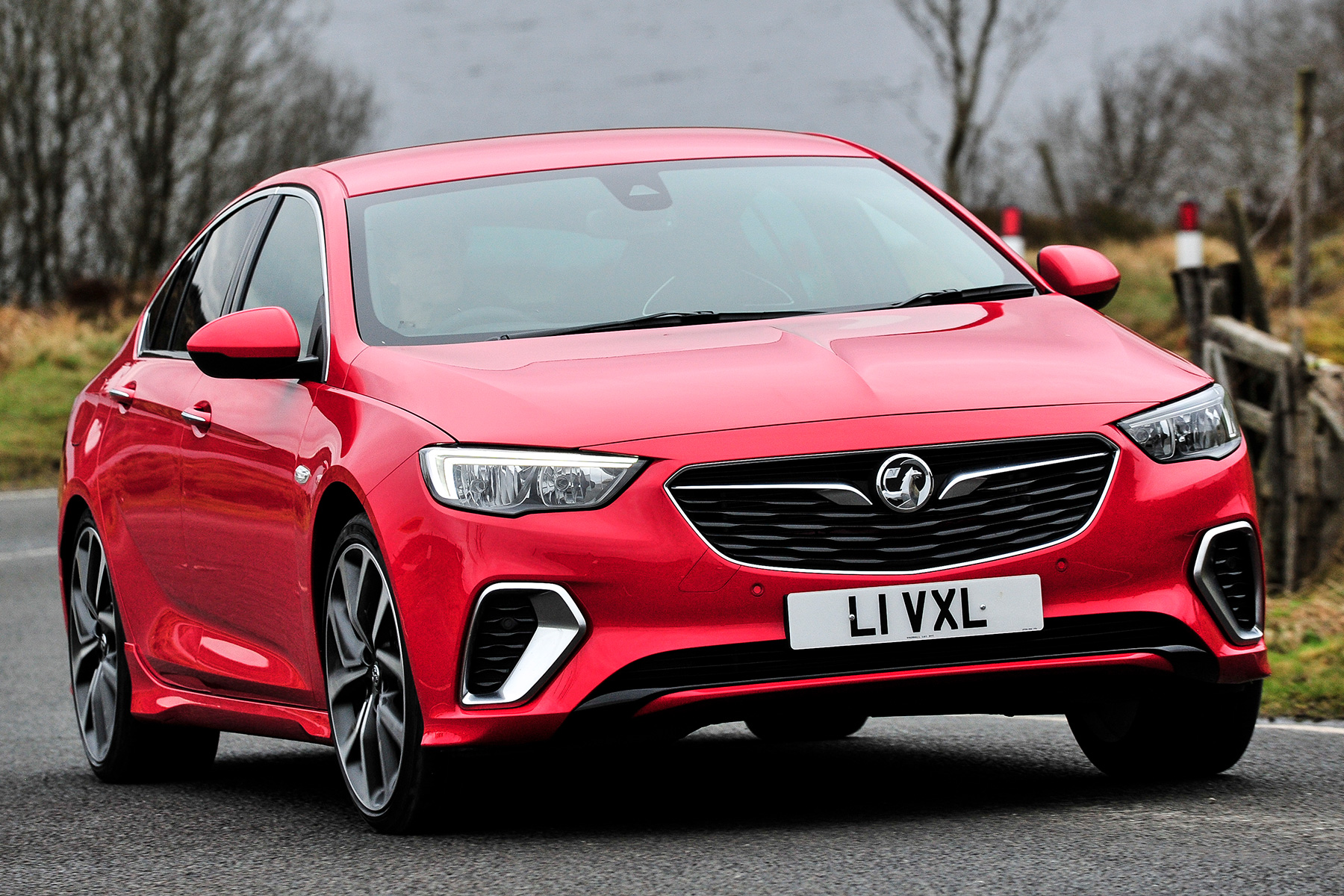 2018 vauxhall insignia gsi first drive fun forerunner to vxr. Black Bedroom Furniture Sets. Home Design Ideas
