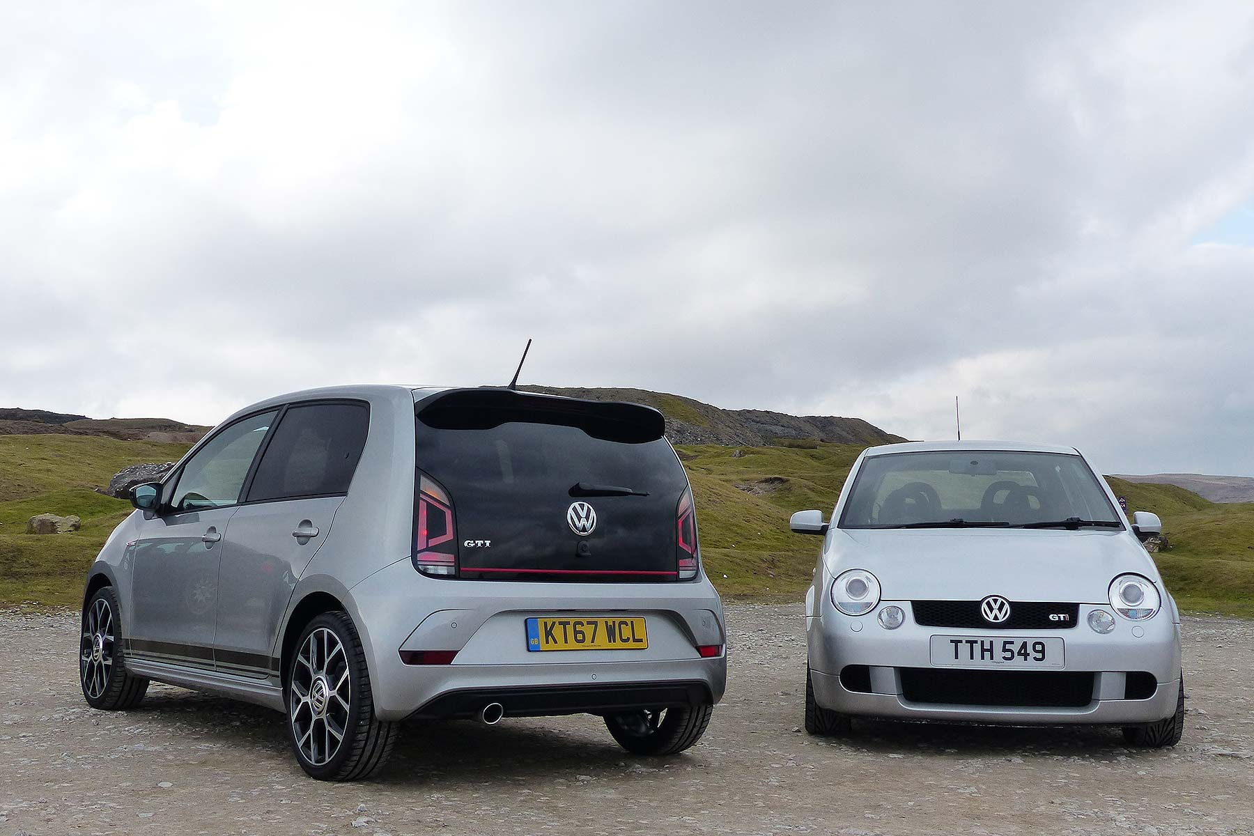 pocket rockets volkswagen up gti vs retro lupo gti. Black Bedroom Furniture Sets. Home Design Ideas