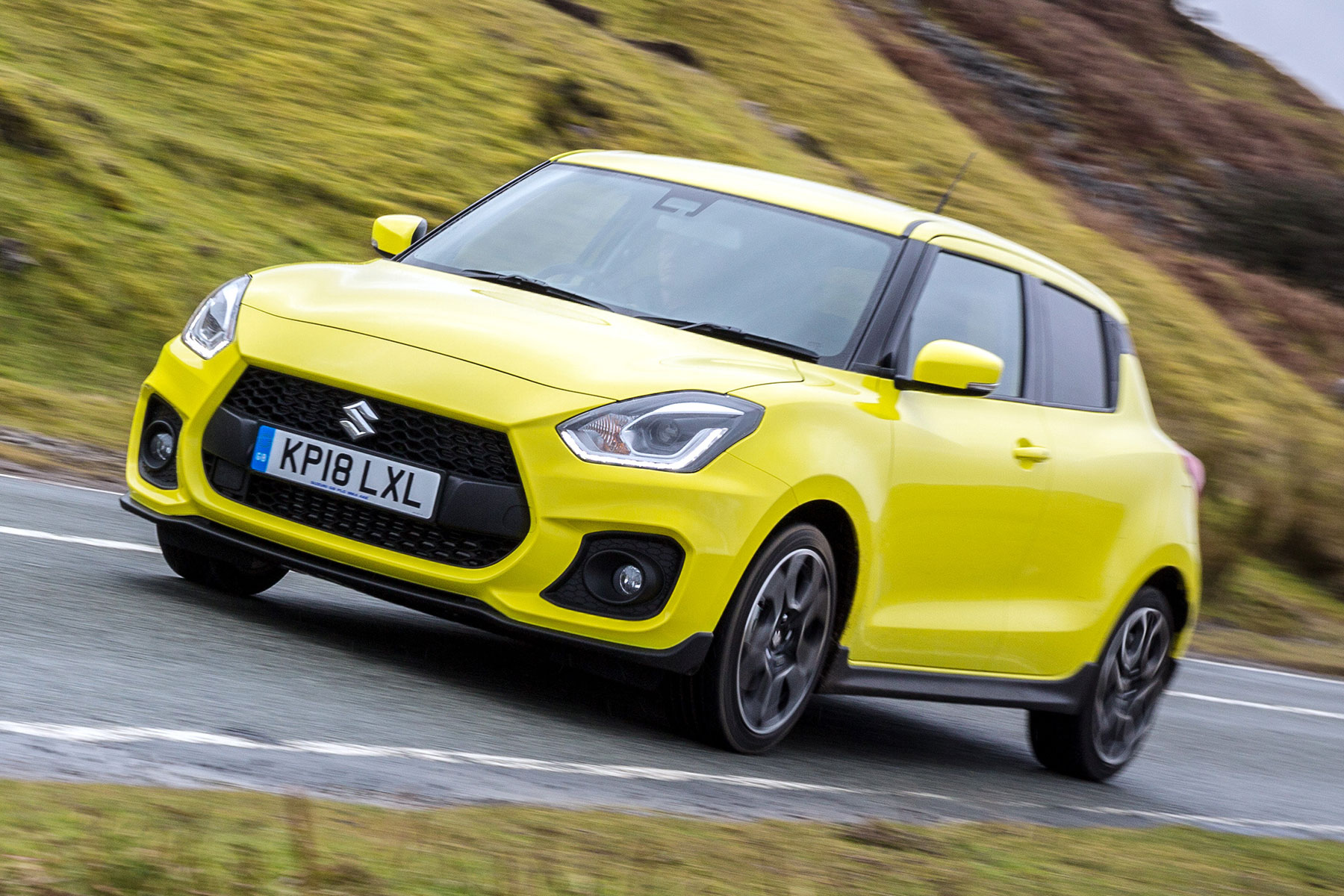 2018 suzuki swift sport first drive punchy hot hatch lacks fizz. Black Bedroom Furniture Sets. Home Design Ideas