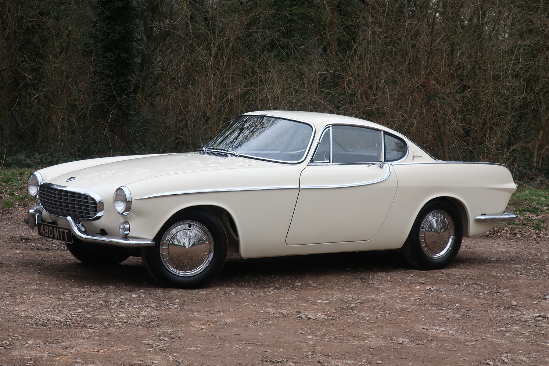 Volvo P1800 review: driving the best looking Volvo ever