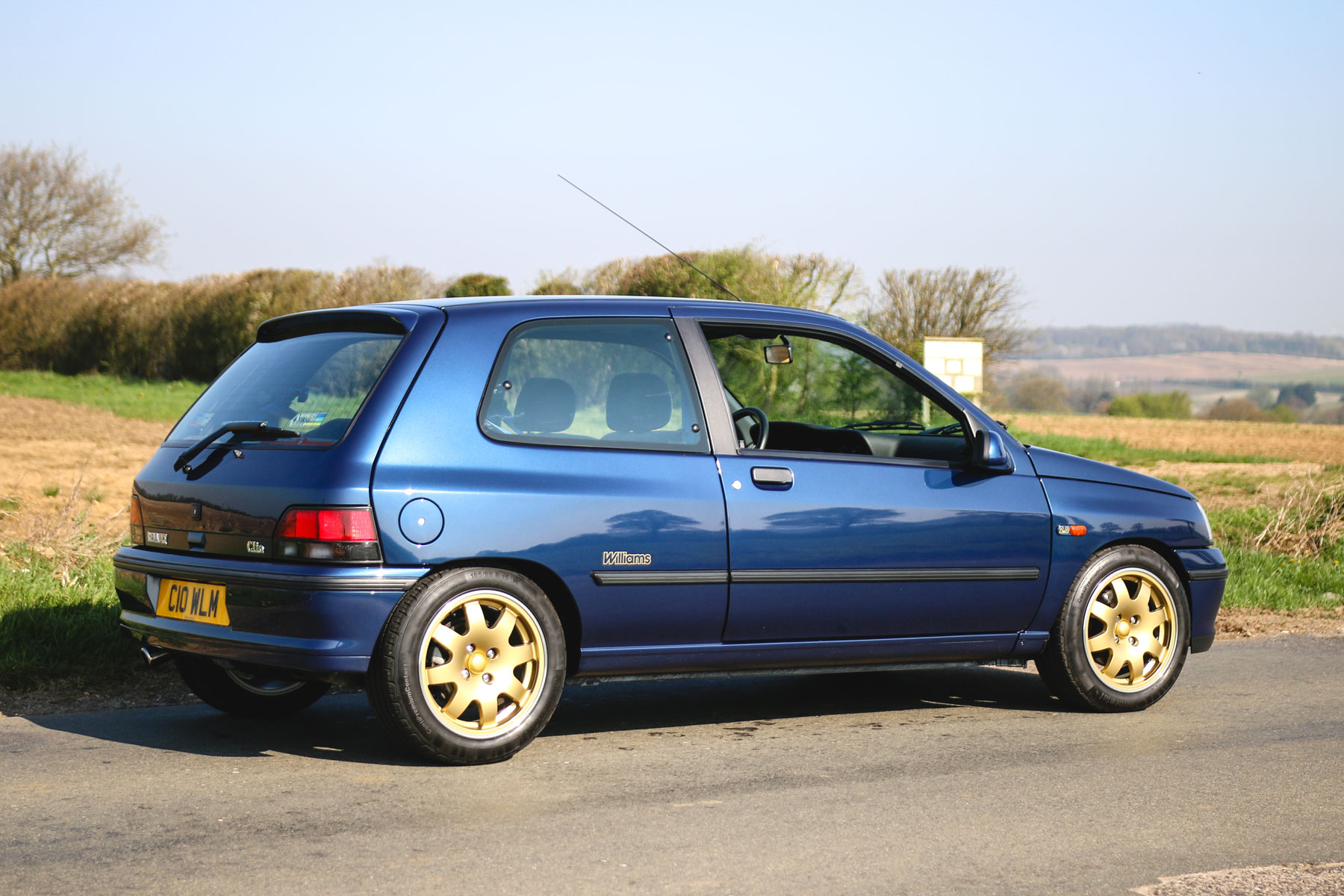 renault clio williams motoring research. Black Bedroom Furniture Sets. Home Design Ideas