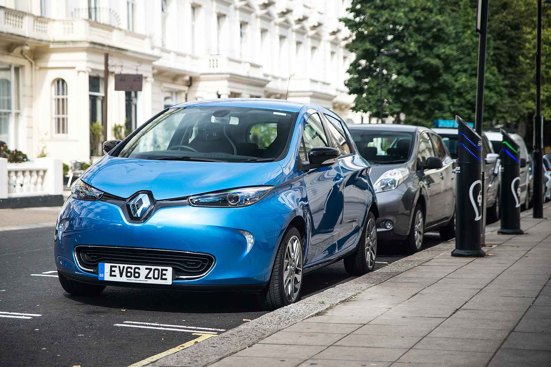 This Is Despite Renault One Of The Gest Brands For Electric Cars Offering Some Ealing 199 A Month Deals On Its All Zoe