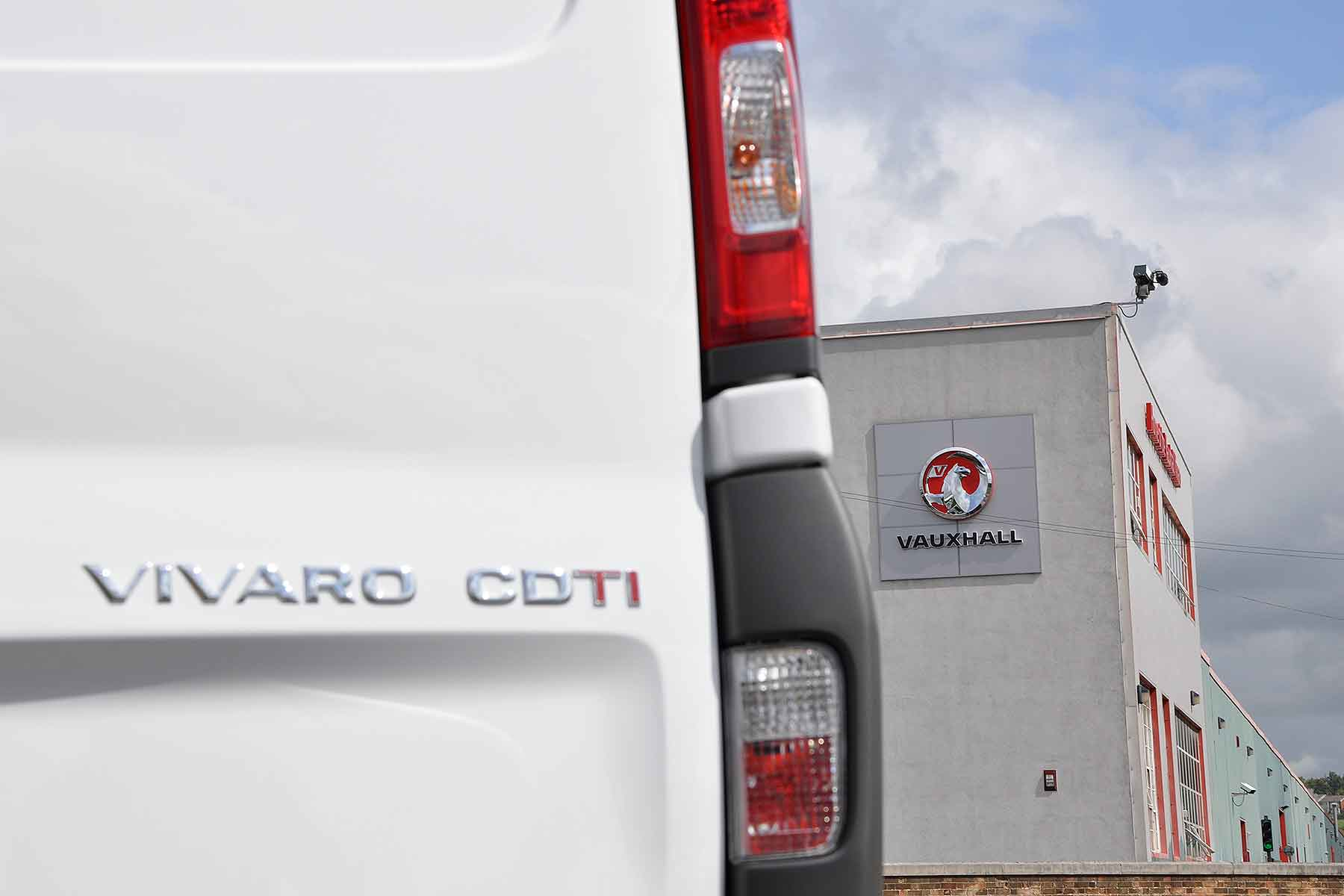 The Vauxhall Vivaro van is built in Luton
