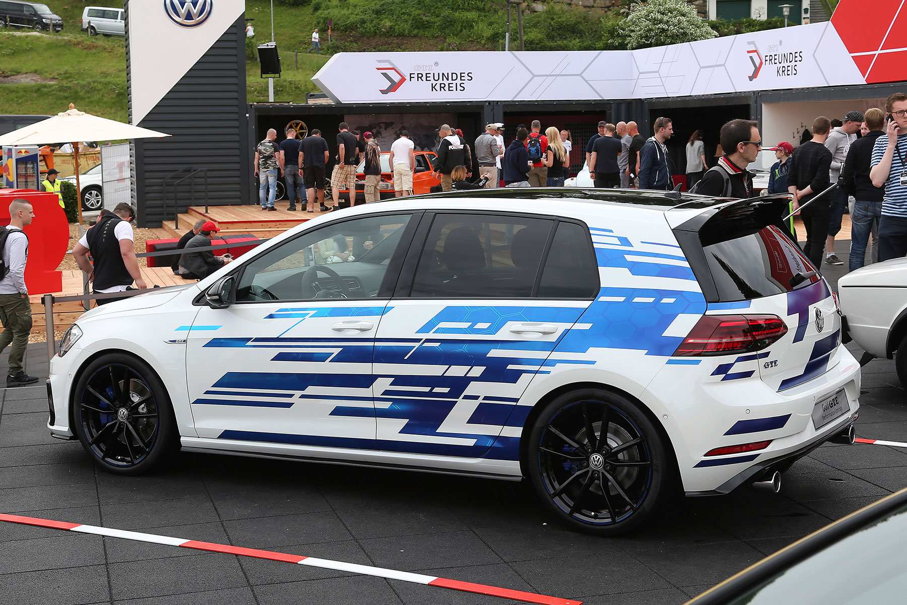 race bred 164mph volkswagen golf gti tcr revealed. Black Bedroom Furniture Sets. Home Design Ideas