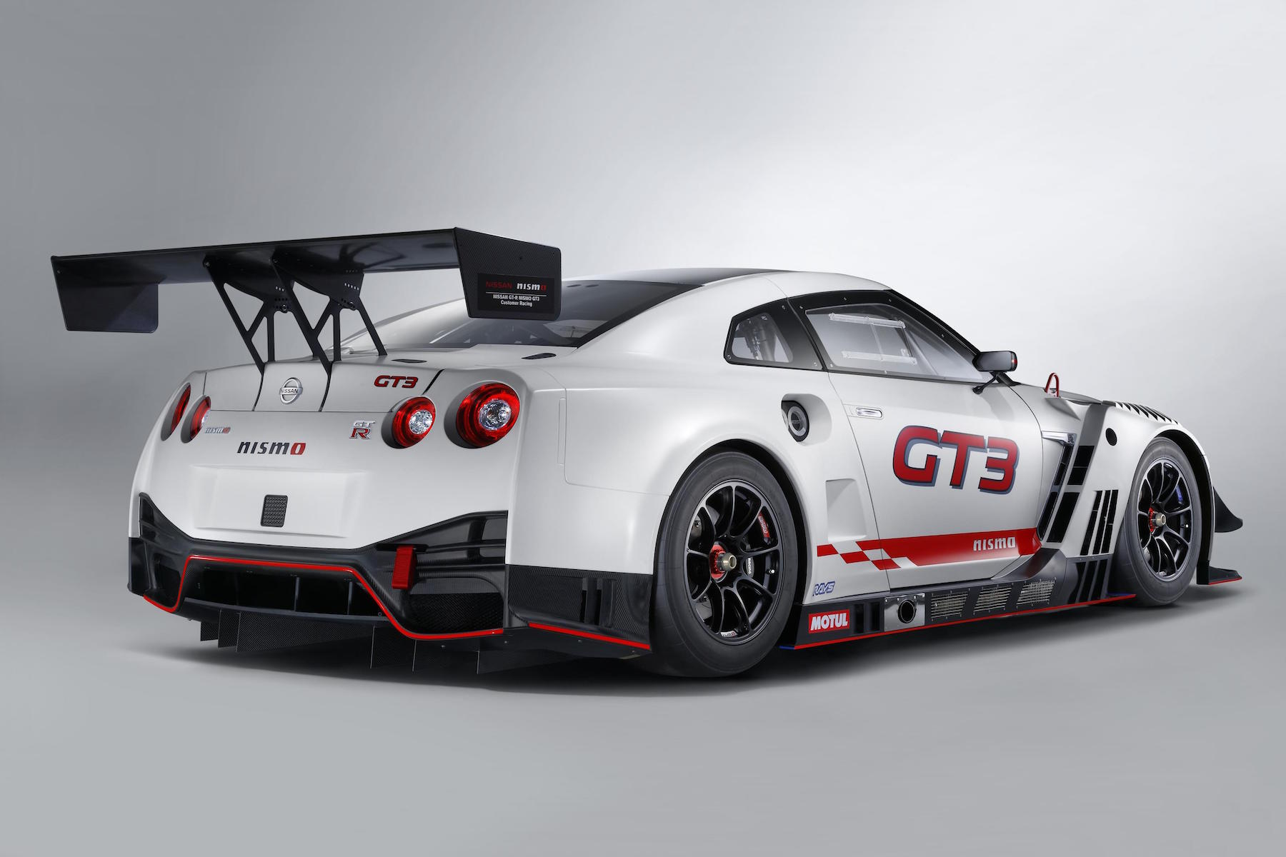 new nissan gt r nismo gt3 racer has an air conditioned seat motoring research. Black Bedroom Furniture Sets. Home Design Ideas