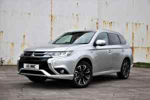 Mitsubishi Outlander PHEV best selling plug-in