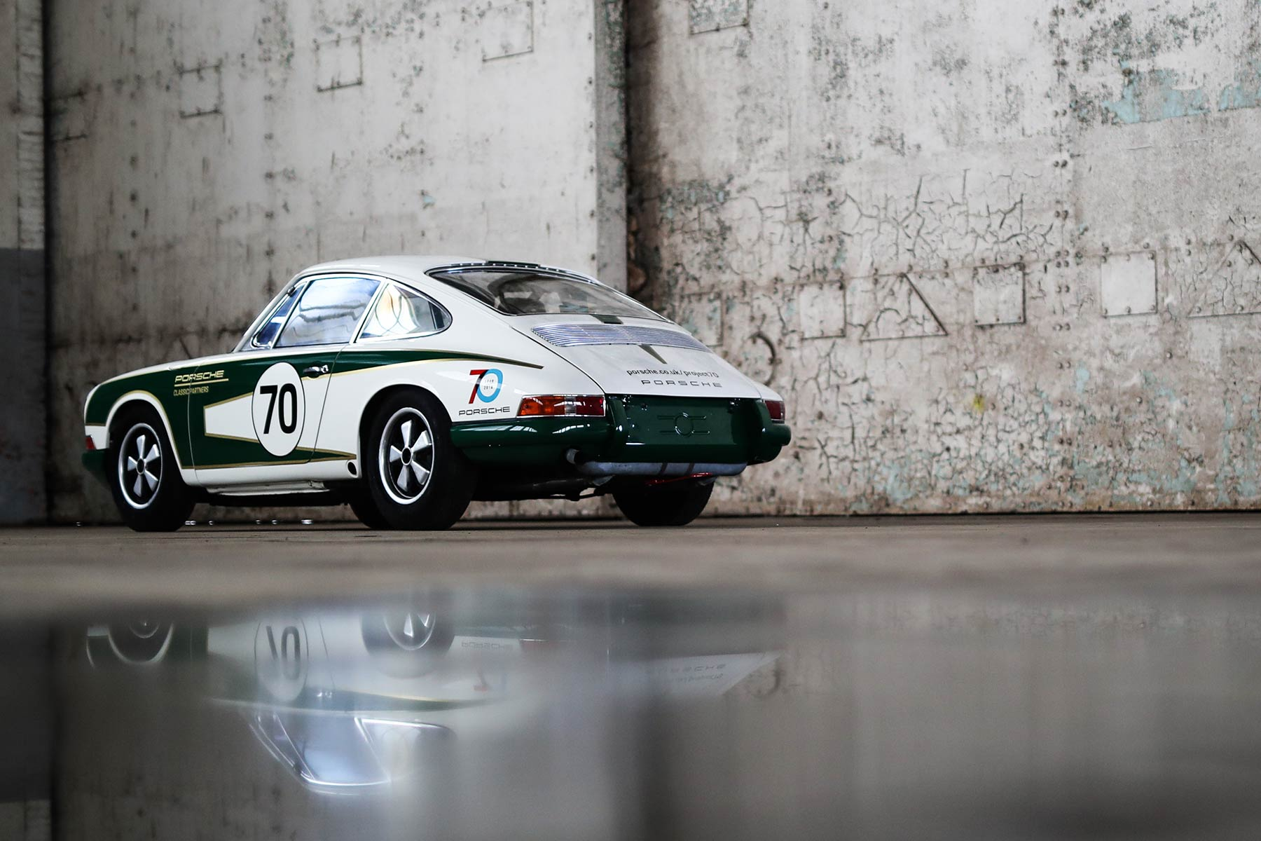Porsche Classic GB 911 race car