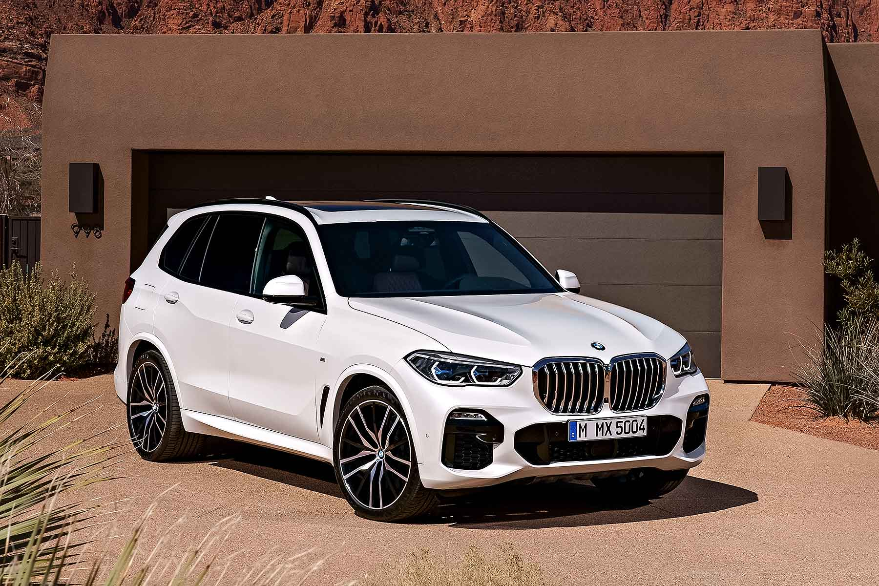 new bmw x5 suv goes large for 2018 motoring research. Black Bedroom Furniture Sets. Home Design Ideas