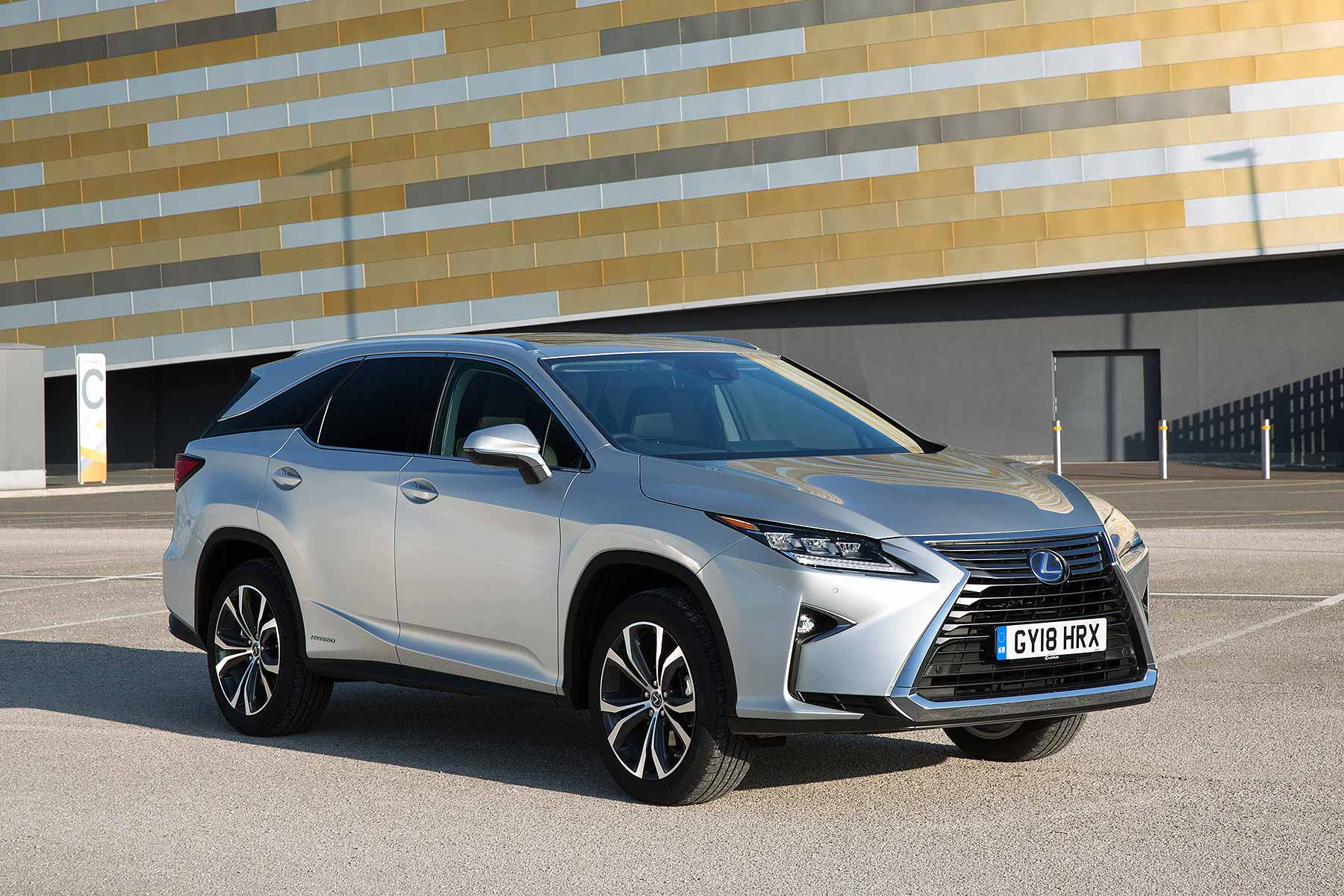 Lexus Rx 450h 7 Seater >> Britain's first Lexus 7-seater will cost from £50,995 | Motoring Research
