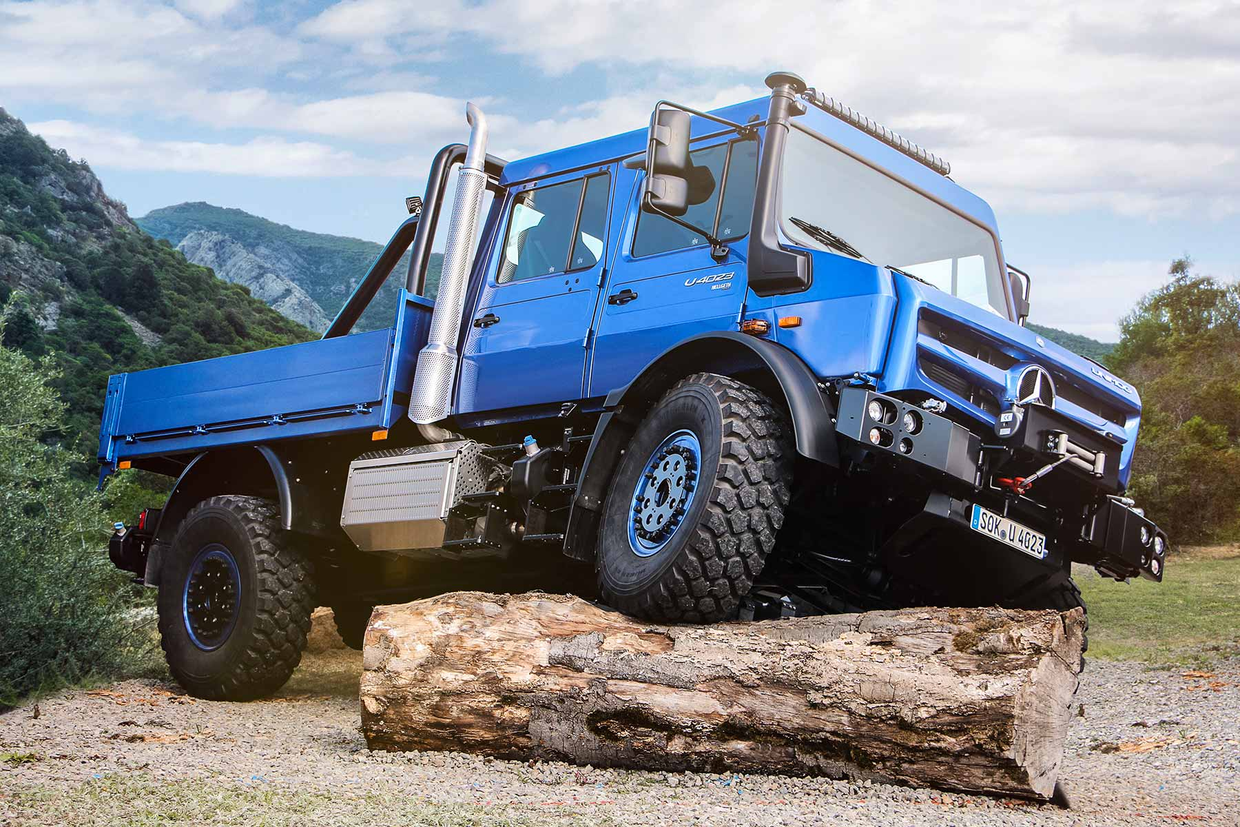 Mercedes Benz Unimog Just Can T Stop Winning Awards Motoring Research