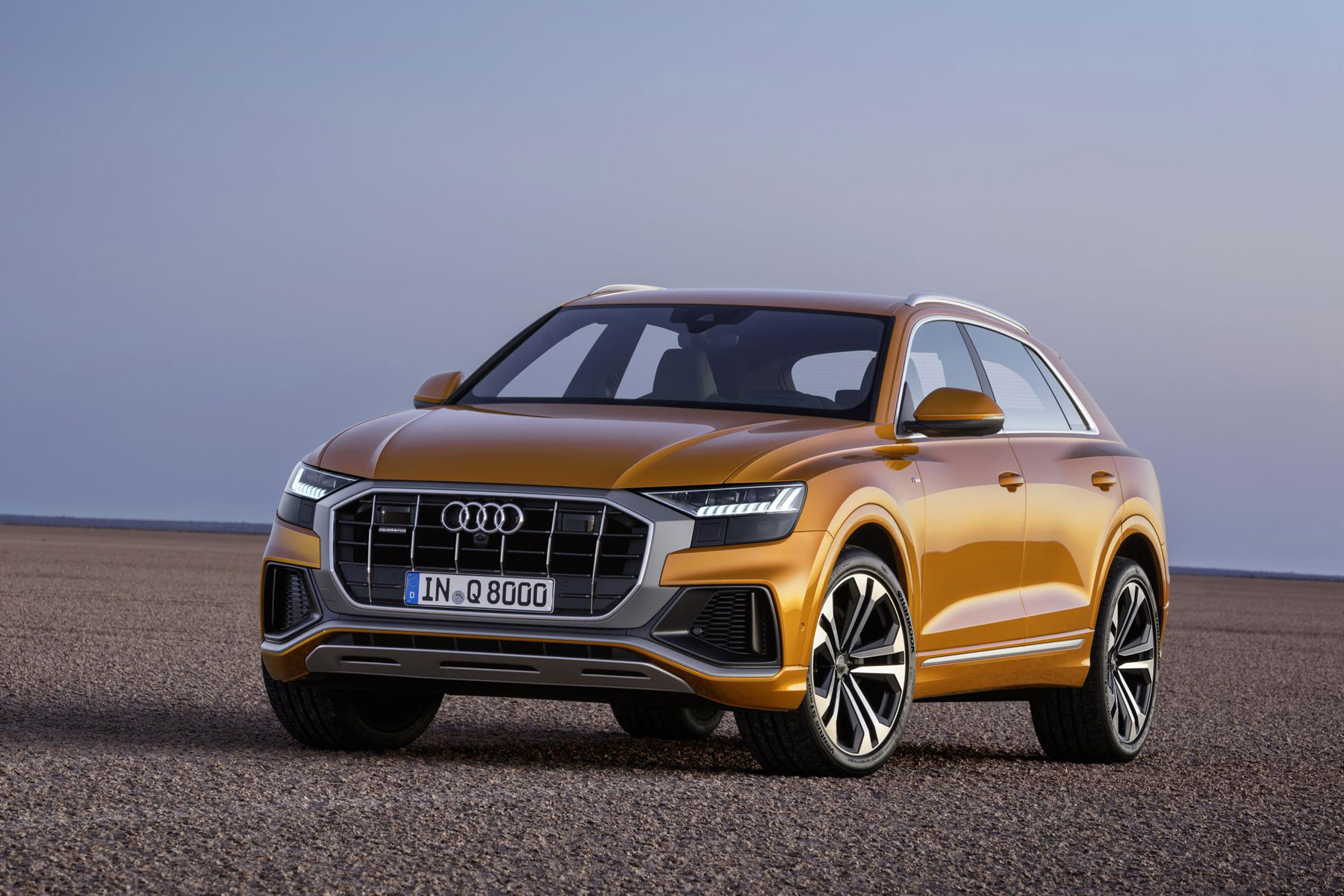 new audi q8 revealed luxury suv targets range rover sport. Black Bedroom Furniture Sets. Home Design Ideas