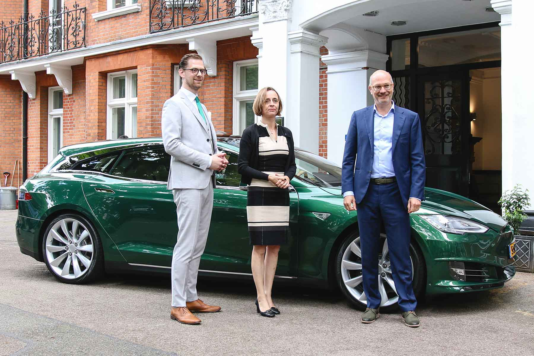 RemetzCar Tesla Model S at Dutch Embassy