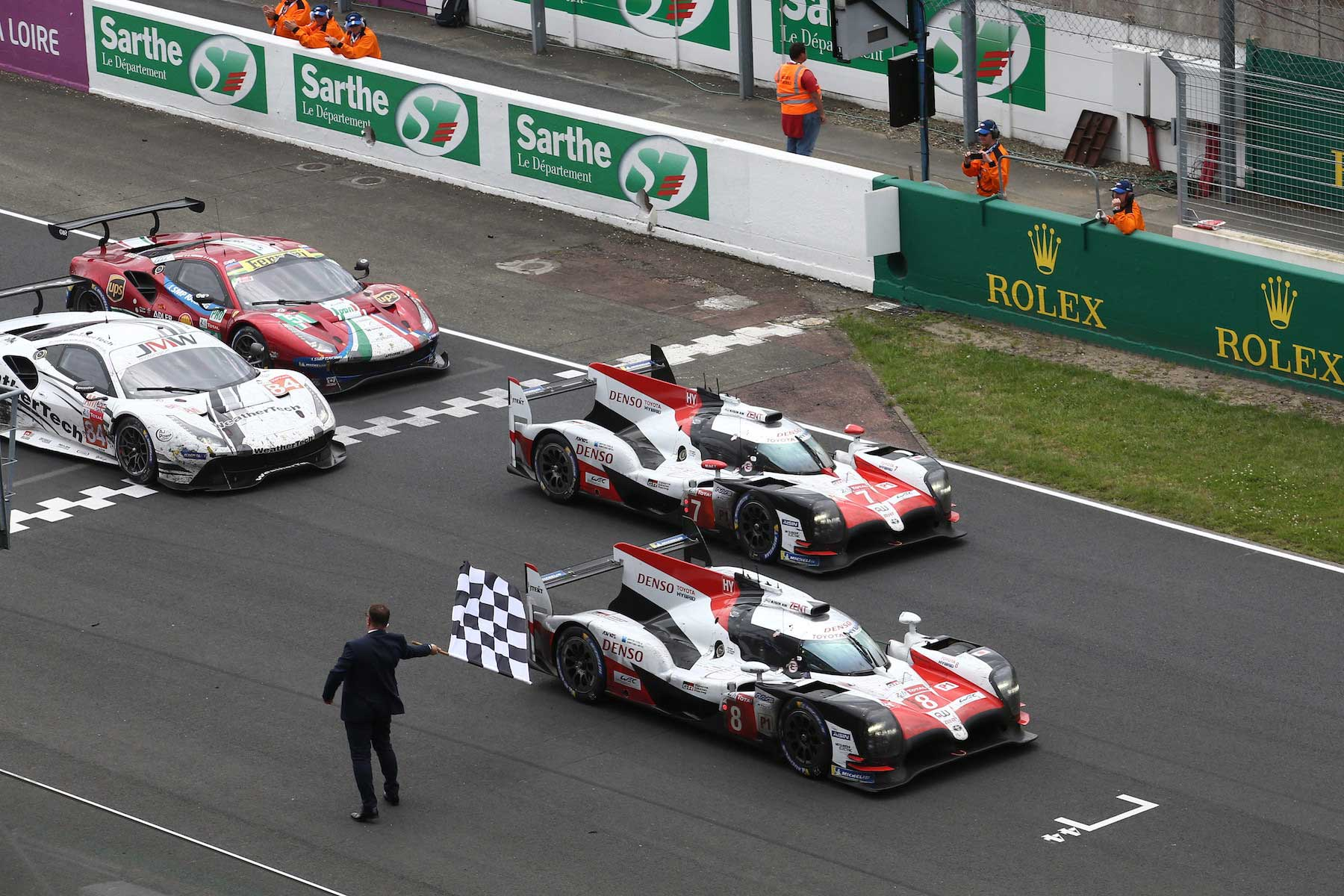 toyota takes historic 1 2 victory at le mans 24 hours race motoring research. Black Bedroom Furniture Sets. Home Design Ideas