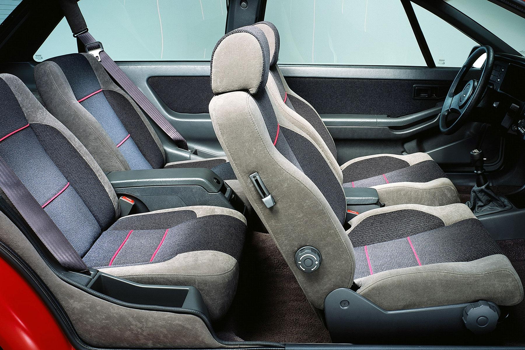 Volvo 480 ES interior