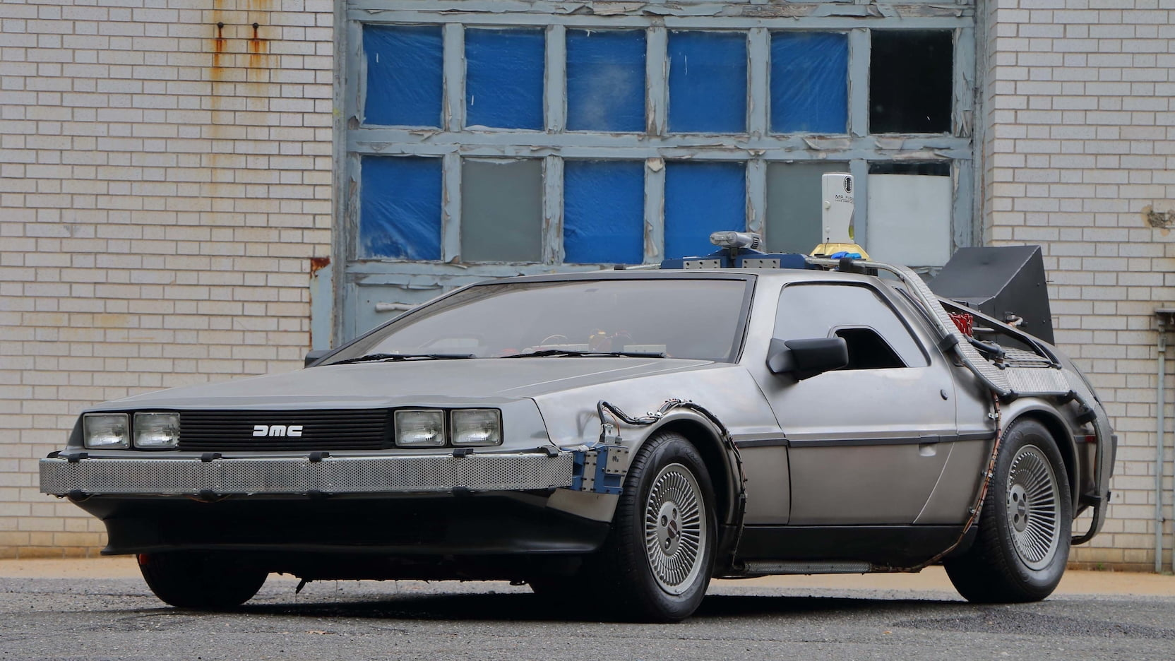 1981 DeLorean DMC-12 copy