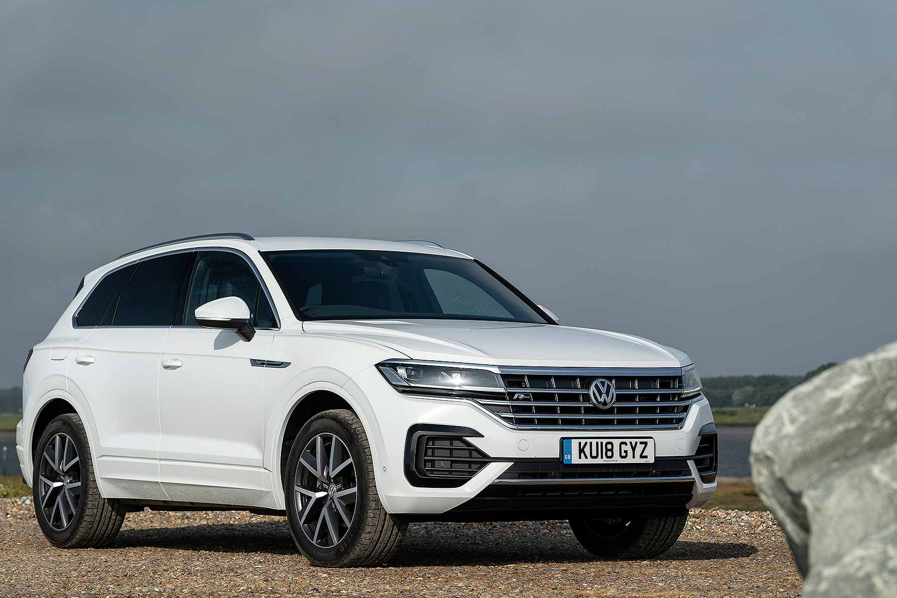 2018 volkswagen touareg first drive review vw 39 s bentley. Black Bedroom Furniture Sets. Home Design Ideas
