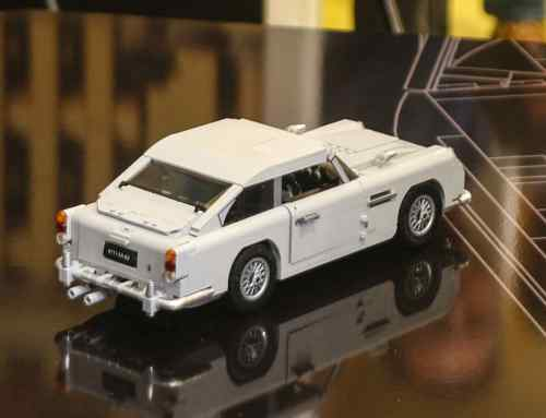 Video: Lego releases James Bond Aston Martin DB5 – with standard ejector seat