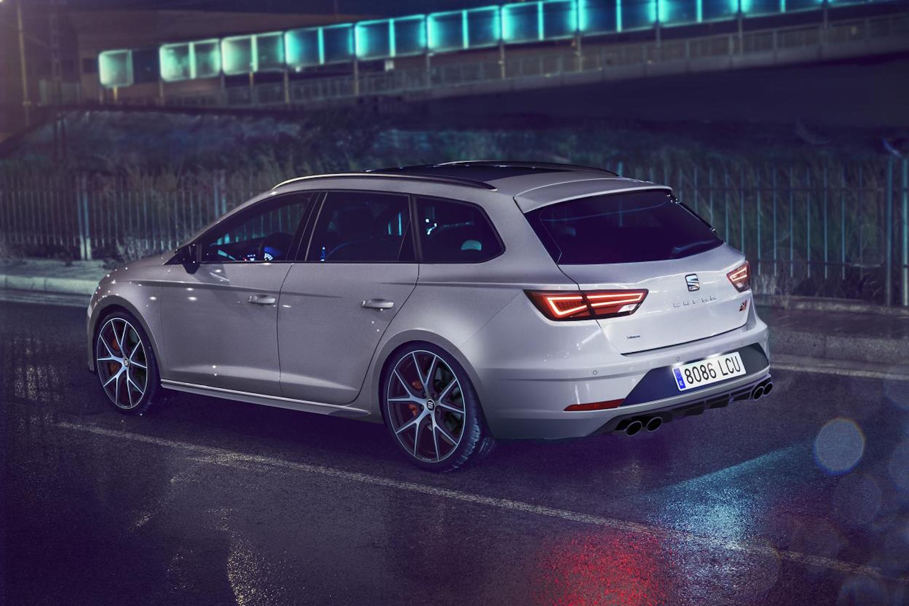 New Seat Leon ST Cupra Carbon Edition