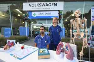 Greenpeace protests at Volkswagen UK HQ