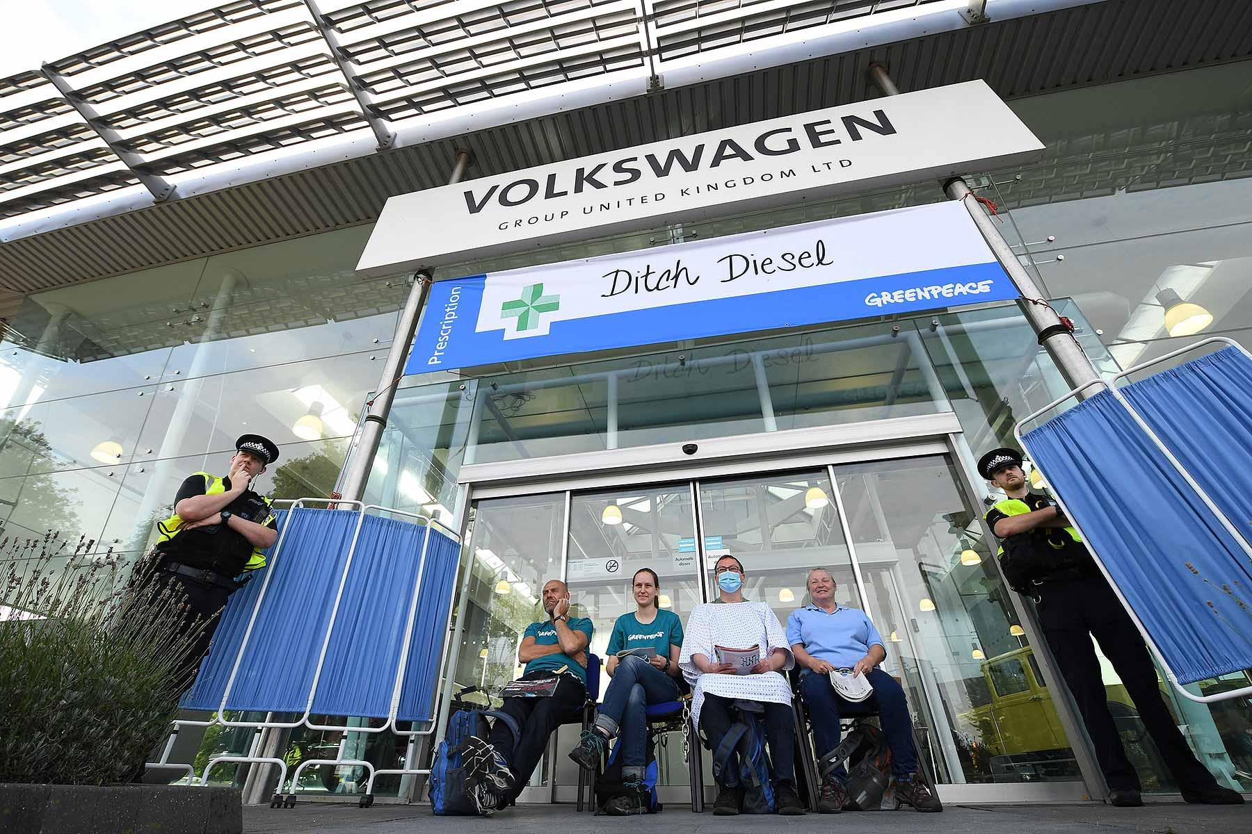 Greenpeace protests at Volkswagen UK HQ