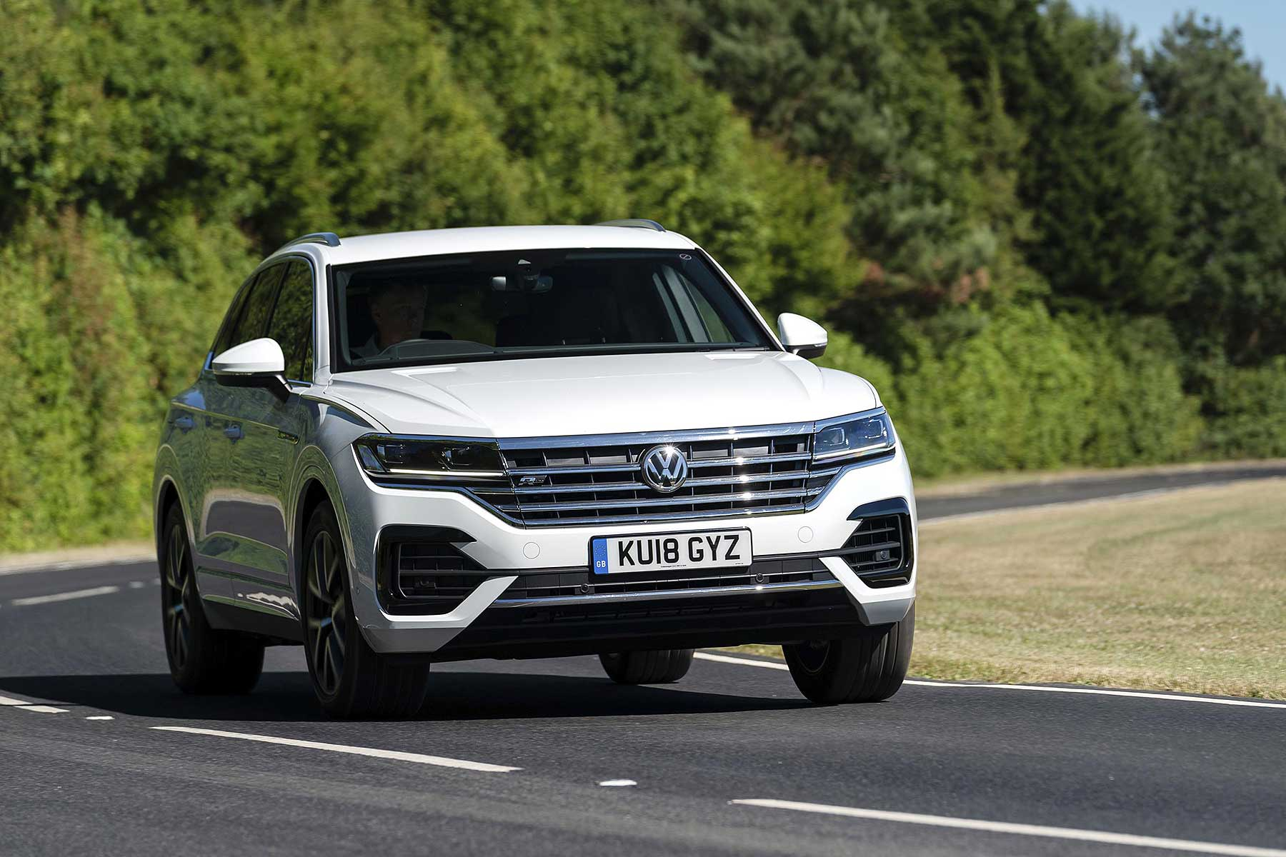 volkswagen touareg gets a new engine and a price cut motoring research. Black Bedroom Furniture Sets. Home Design Ideas