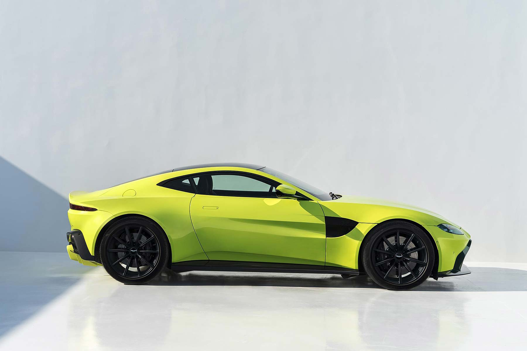 Aston Martin Sets Share Price Range For October Stock Market Float - Price of an aston martin