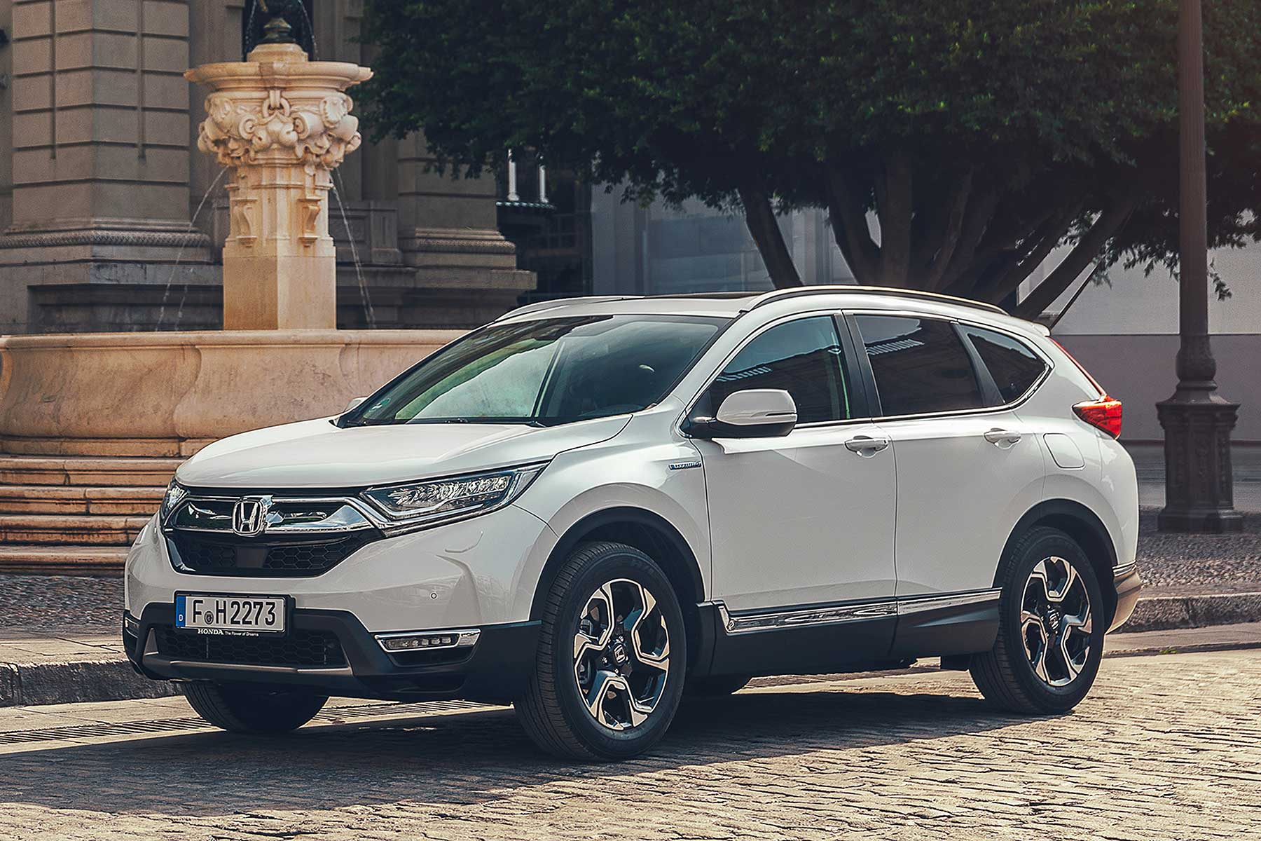 2019 Honda Cr V Hybrid The Petrol Suv That Mimics A Sel