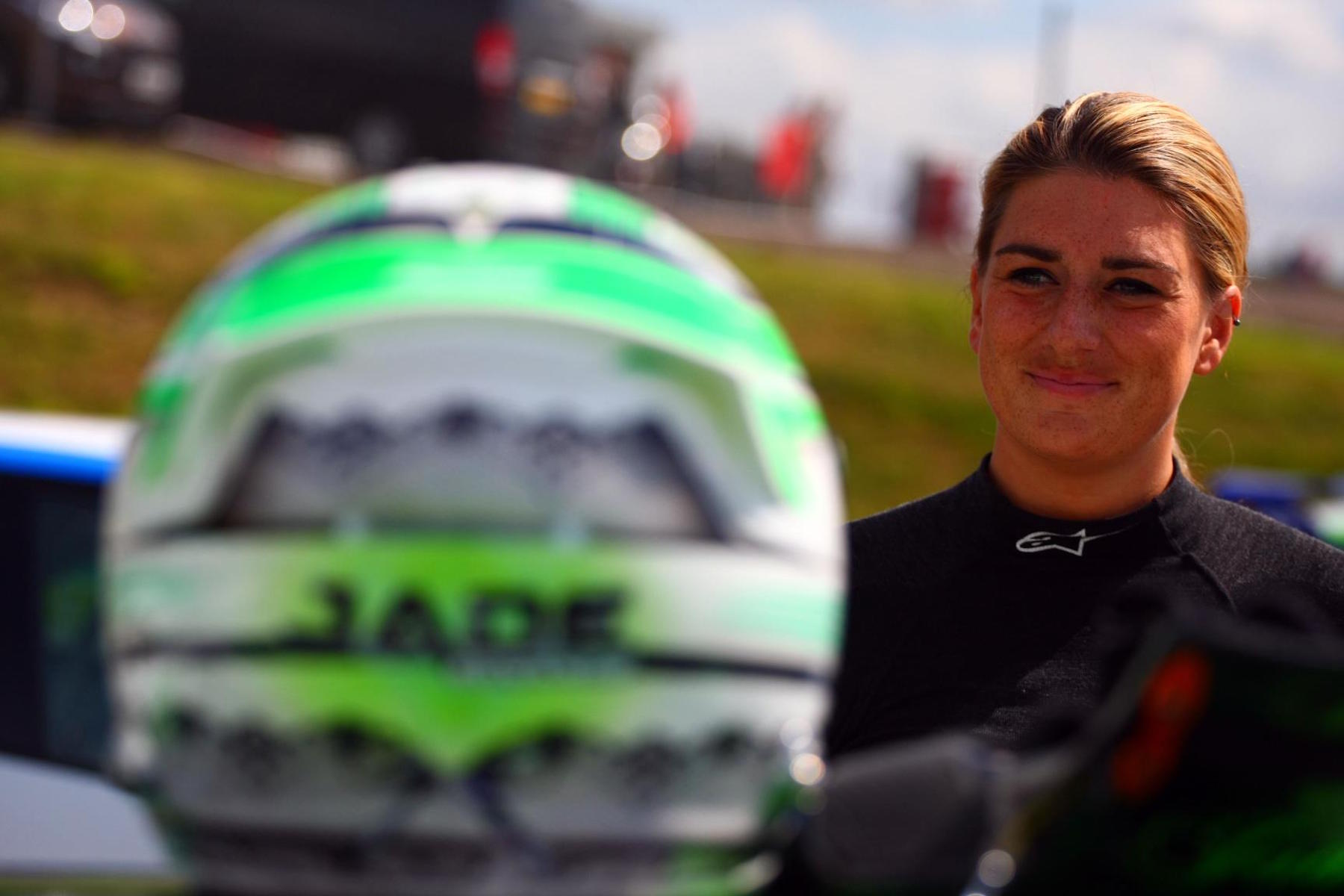 Jade Edwards secures sponsorship after scam