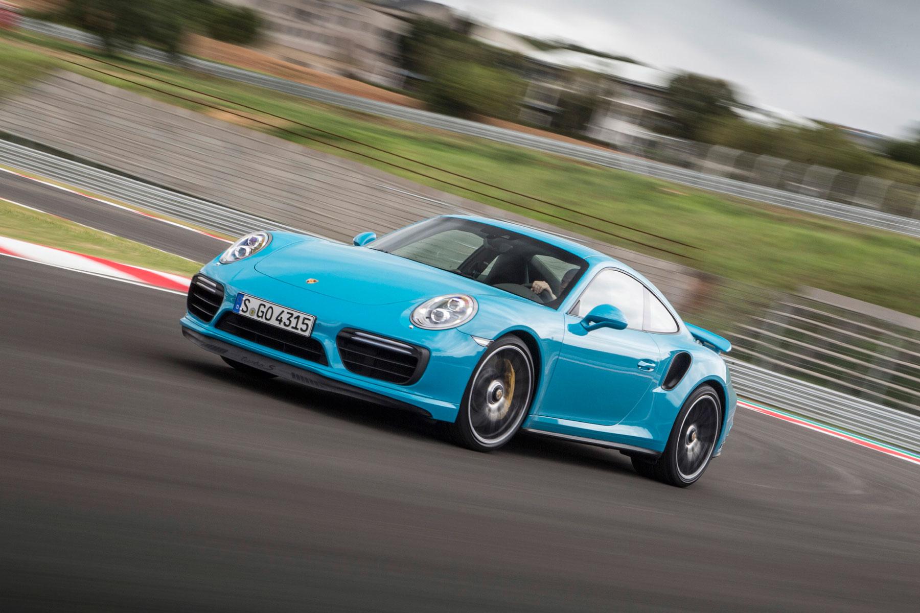 Porsche 911 Turbo S – 2.9 seconds