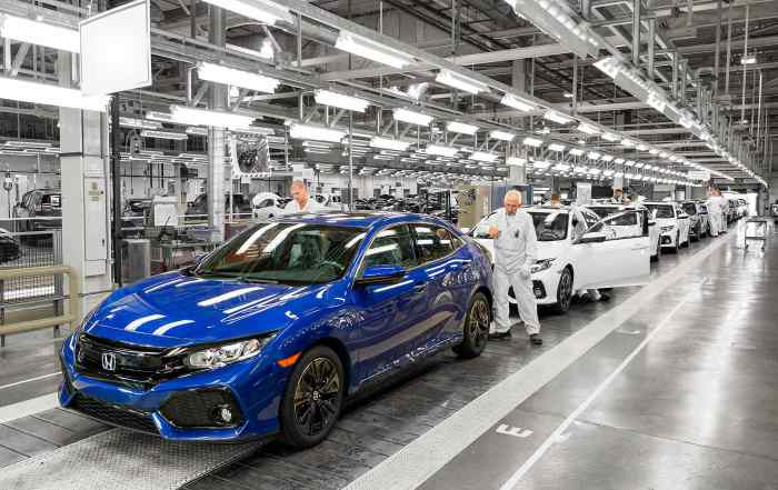 Honda Civic new car production at Swindon, England