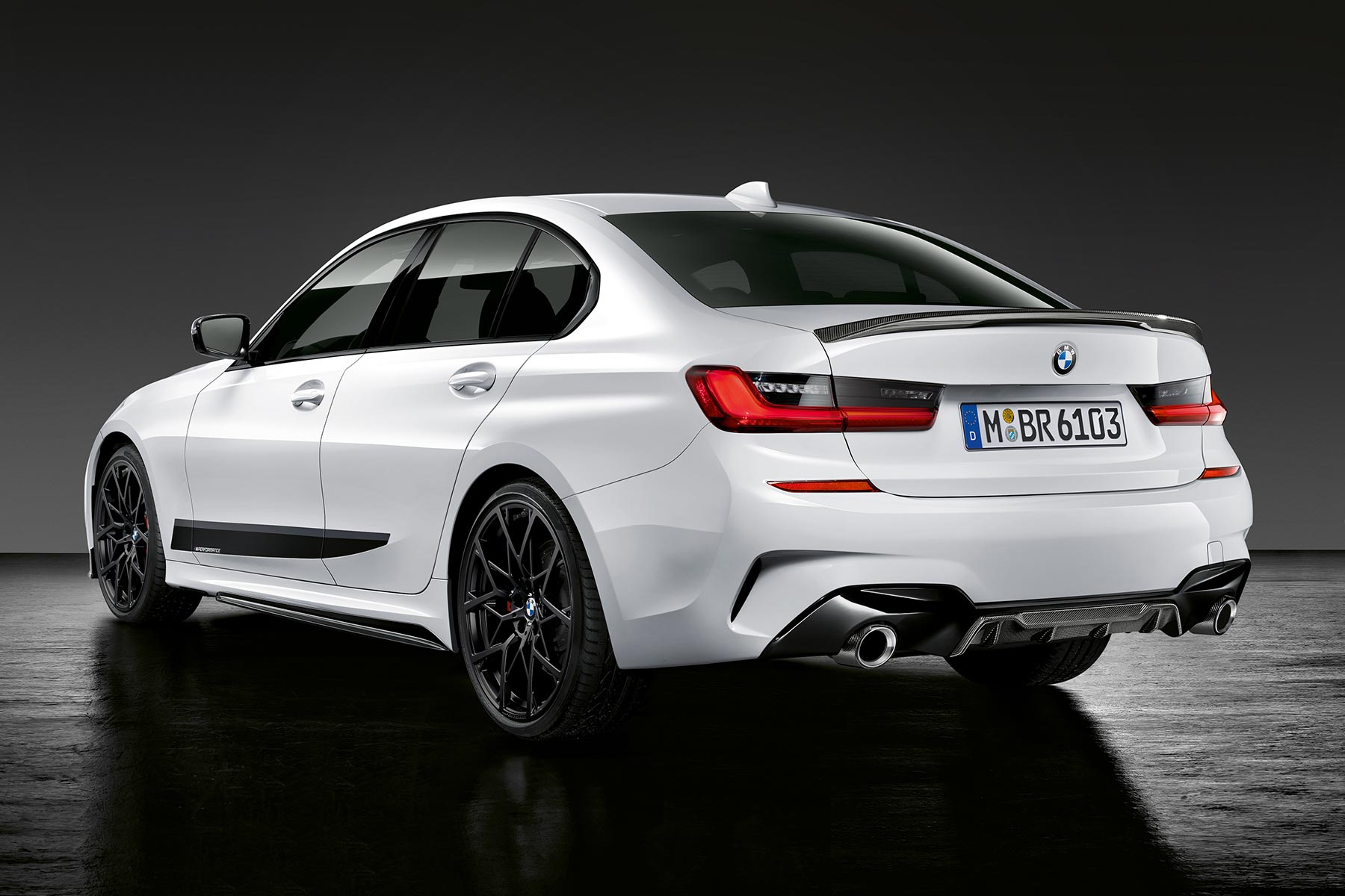 new 2019 bmw 3 series has m performance upgrades ready to go. Black Bedroom Furniture Sets. Home Design Ideas