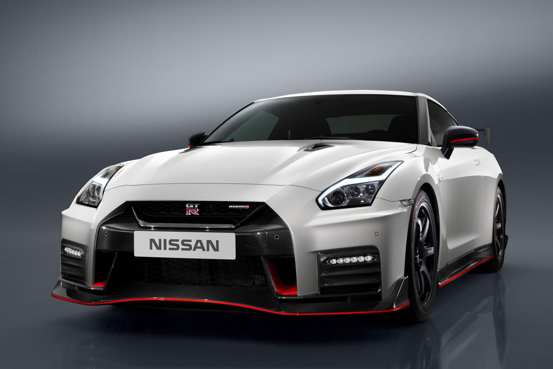 Nissan GT-R Nismo – 2.7 seconds